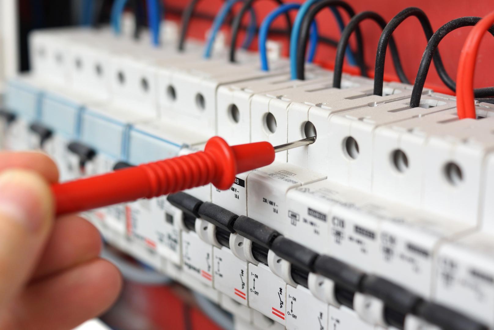 electricien 71