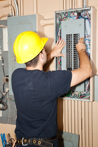 electricien a laval