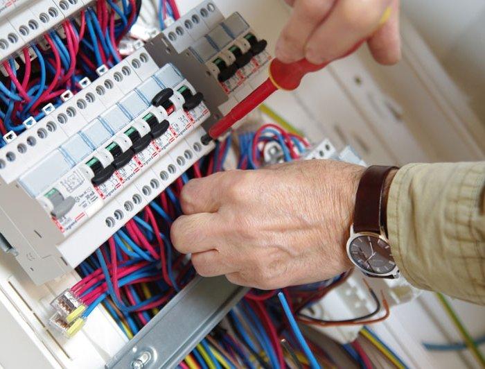 electricien carqueiranne