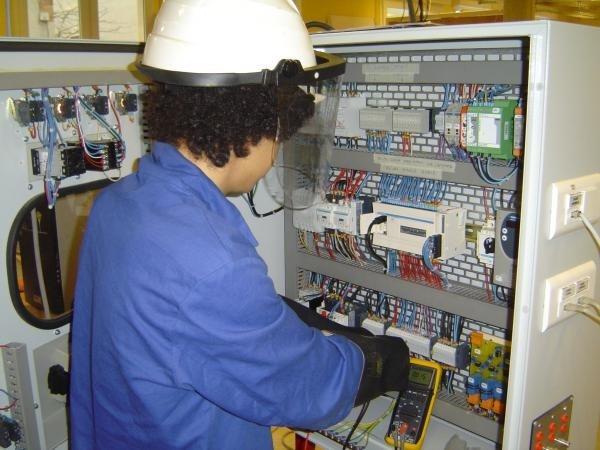 electricien d'equipement formation